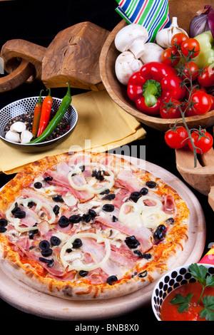 Pizza quattro stagioni Banque D'Images