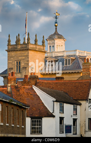Abingdon sky-au début de l'automne chaud soleil Banque D'Images