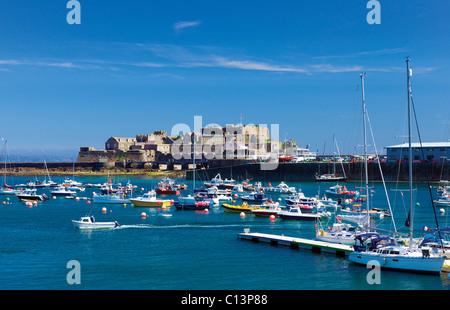 Château Cornet,port,St Peter Port, Guernsey, Channel Islands. Banque D'Images