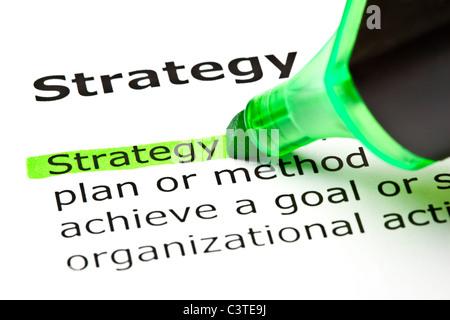 Le mot 'Stratégie' en surbrillance verte avec feutre Banque D'Images