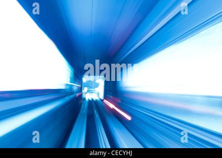 Billet de train dans le tunnel du métro Banque D'Images