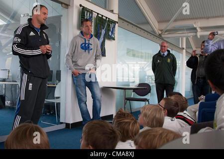 UK. 03/07/2012 Birmingham England. Le capitaine Andrew Strauss test l'Angleterre et ex joueur de rugby Angleterre Banque D'Images