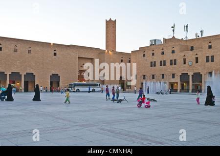Asie Arabie Saoudite Riyad, la racine carrée du quartier Al Bathaa Banque D'Images