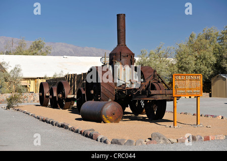 Dina, vieux tracteur à vapeur historique pour le transport, le borax Borax Museum, Furnace Creek Ranch Oasis, Death Banque D'Images