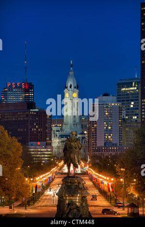 Le Washington Monument à Eakins ressemble ovale de l'Hôtel de Ville, Philadelphie, Pennsylvanie, USA Banque D'Images