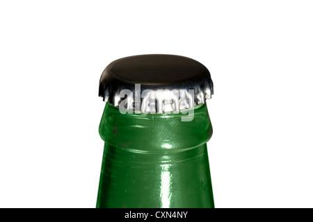 Cut Out. Verre vert bouteille avec un bouchon de vase d'argent sur fond blanc Banque D'Images