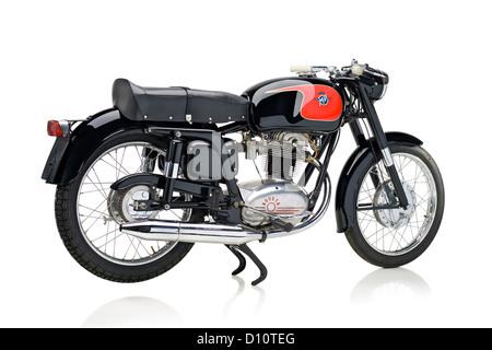 1960 MV Agusta 235 moto Tevere isolé sur fond blanc Banque D'Images