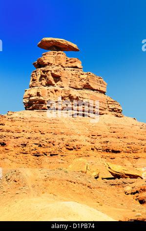 Le Mexican Hat Monument, au sud-ouest, Utah, USA Banque D'Images