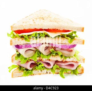 Grand club sandwich au jambon et légumes Banque D'Images