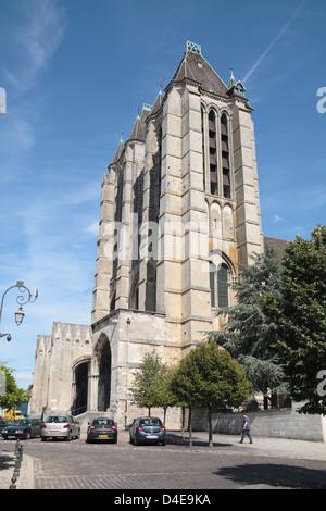 L'Ouest avant de la Cathédrale Notre Dame de Noyon, Oise, Picardie, France. Banque D'Images