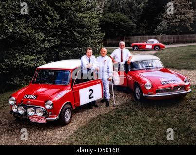 Paddy Hopkirk,Sir Stirling Moss et Roger Clark, les pilotes de rallye britannique avec Mini Cooper,MGB et Austin Banque D'Images