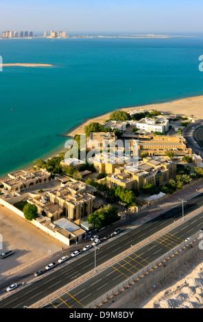 Vue aérienne de la zone diplomatique avec les ambassades à Doha, Qatar Banque D'Images