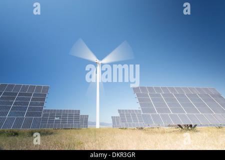 Panneaux solaires in rural landscape Banque D'Images