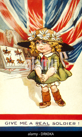 La carte postale patriotique, Girl with toy soldiers, WW1 Banque D'Images