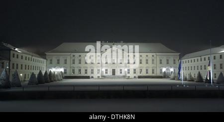 Berlin, Allemagne - 27 janvier 2014: neige fraîche au palais présidentiel à Bellevue Tiergarten, Berlin. Banque D'Images
