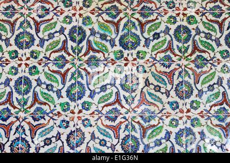 Mur carrelé dans le style turc Banque D'Images