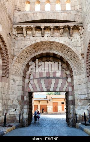 Le Bab al Futuh (Porte de conquête) est une porte dans les remparts de la vieille ville du Caire, Egypte Banque D'Images