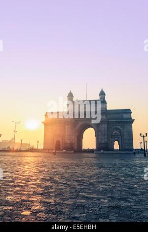 La porte de l'Inde à Mumbai à l'aube, Maharashtra, Inde Banque D'Images