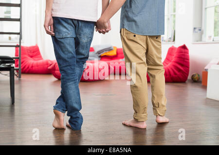 Couple Holding Hands, Close up Banque D'Images