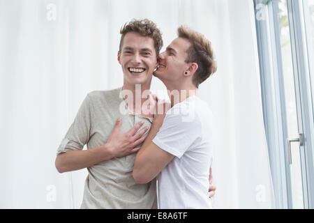 Couple homosexuel, smiling Banque D'Images