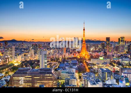 Tokyo, Japon skyline à tour de Tokyo. Banque D'Images