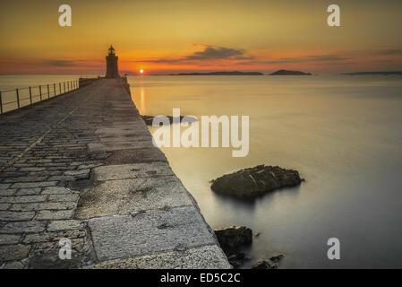 Les levers sur Herm, tiré de l'eau pause castle cornet, St Peter Port, Guernsey Channel Islands Banque D'Images