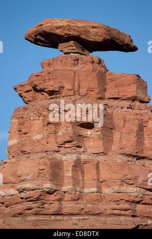 USA, Utah, près de Mexican Hat, Mexican Hat Rock Banque D'Images