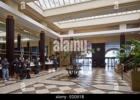 L'intérieur de l'hôtel Midland Manchester. Le Midland est un grand hôtel à Manchester, en Angleterre. Ouvert en Banque D'Images