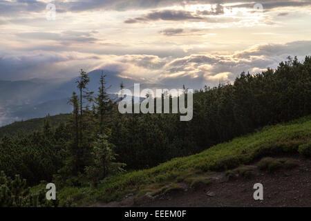 Vue sur montagne Pilsko, Babia Gora, Beskidy Beskides Zywiec Beskid Zywiecki, Banque D'Images