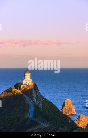 Phare de Catlins, Nugget Point, île du Sud, Nouvelle-Zélande Banque D'Images