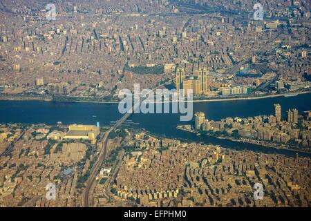 De l'antenne centre du Caire et sur le Nil, l'Egypte, l'Afrique du Nord, Afrique Banque D'Images