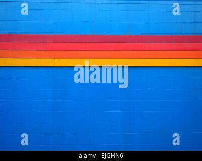 Décoration à rayures bleu sur mur, Los Angeles, USA Banque D'Images