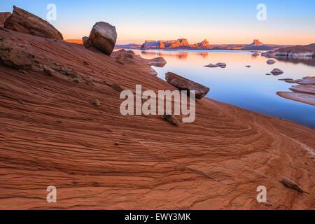 Padre Bay, du Cookie Jar Butte. Le lac Powell, Utah, USA Banque D'Images