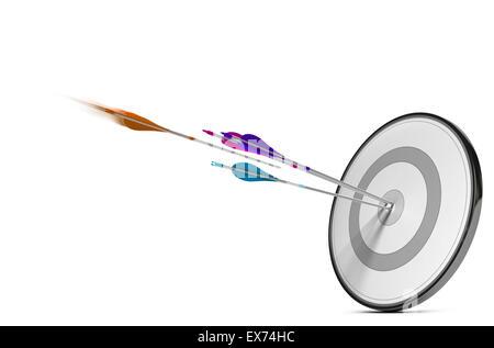 Une cible avec trois flèches colorées de frapper le centre. Concept de droit pour l'illustration d'une stratégie Banque D'Images