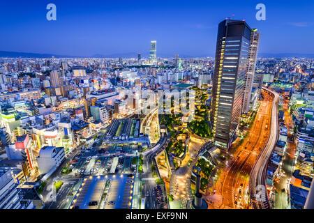 Osaka, Japon ville surplombant le quartier de Namba. Banque D'Images
