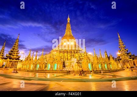 Pagode Shwedagon à Yangon, Myanmar. Banque D'Images