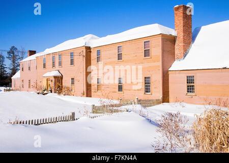 Accueil de la Nouvelle Angleterre dans la neige, la Nouvelle Angleterre, MA, USA. Banque D'Images