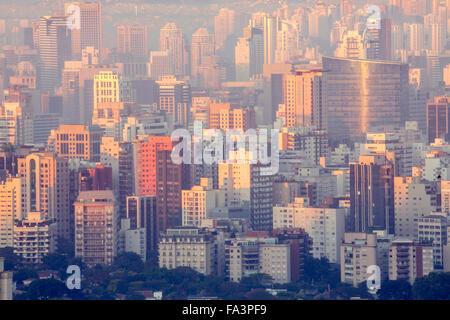 Sao Paulo Skyline dans le centre-ville, immeubles résidentiels et d'affaires montrant Banque D'Images