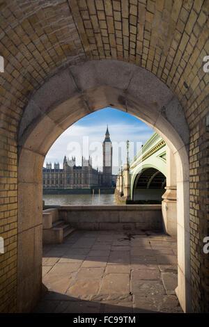 Big Ben et Westminster Bridge dans le centre de Londres Banque D'Images
