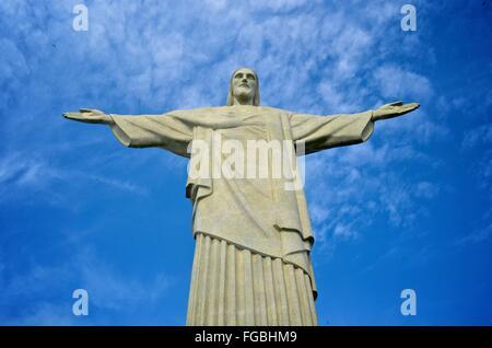 Statue du Christ rédempteur, sur la montagne du Corcovado, Rio de Janeiro, Brésil. Banque D'Images