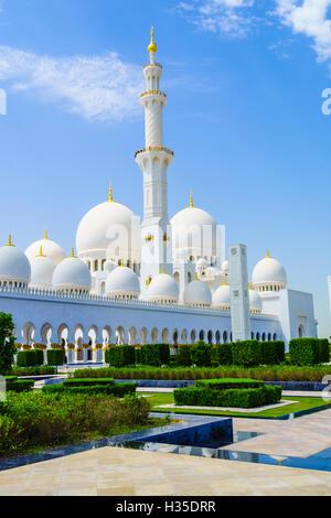 La Mosquée Sheikh Zayed, Abu Dhabi, Émirats arabes unis, Moyen Orient Banque D'Images