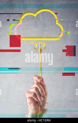 Cloud computing concept avec effet glitch numérique, homme part avec câble LAN Banque D'Images