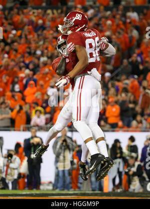 Tampa, États-Unis. Jan 9, 2017. Alabama Crimson Tide tight end O.J. Howard (88) célèbre sa deuxième moitié touchdown Banque D'Images