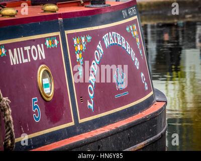 London Waterbus Company inscription peinte sur du côté de canal boat Banque D'Images