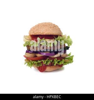 Big tasty hamburger isolé sur fond blanc. Chemin de détourage. Banque D'Images