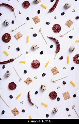 Variété de fruits colorés, les légumes, les épices et les haricots. Régime alimentaire sain concept. Aliments biologiques Banque D'Images
