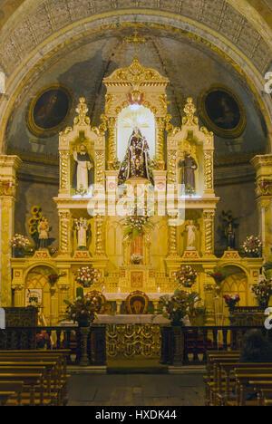 L'Équateur, Quito, Iglesia Santo Domingo, autel Banque D'Images