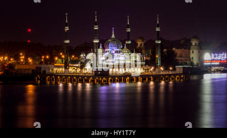 Une fois la nuit photo de la superbe Mosquée de Cristal (connue localement sous le nom de Masjid Kristal) à Kuala Banque D'Images