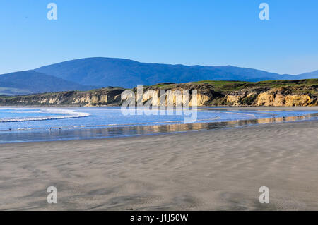 Vue de la plage près de Monkey Island dans le sud de l'itinéraire touristique, Nouvelle-Zélande Banque D'Images