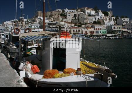 Hill Grèce vieille ville capitale port bateau de pêche des ports de la baie d'eau salée Banque D'Images